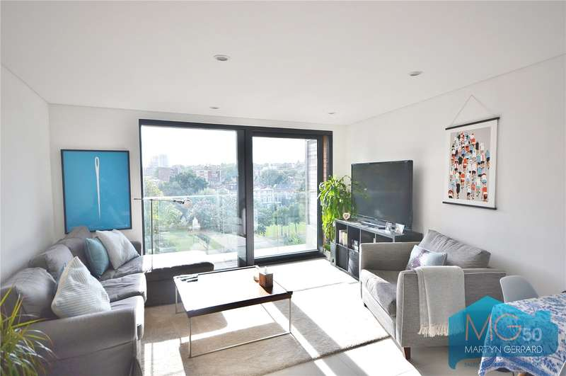 2 Bedrooms Apartment Flat for sale in Princes Park Apartments South, 52 Prince Of Wales Road, London, NW5