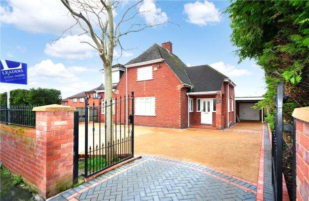 3 Bedrooms Detached House for sale in Lache Lane, Chester, Cheshire