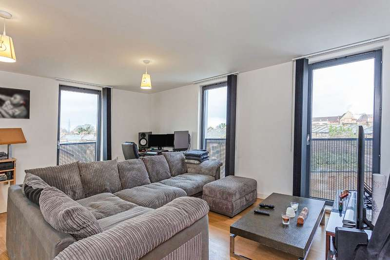 2 Bedrooms Apartment Flat for sale in Barlborough Street, London, SE14