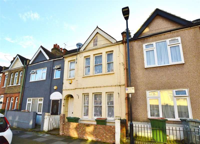 3 Bedrooms Terraced House for sale in Chadwin Road, Plaistow, London, E13 8NF