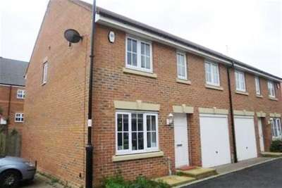 4 Bedrooms Semi Detached House for rent in Chipchase Mews, Gosforth