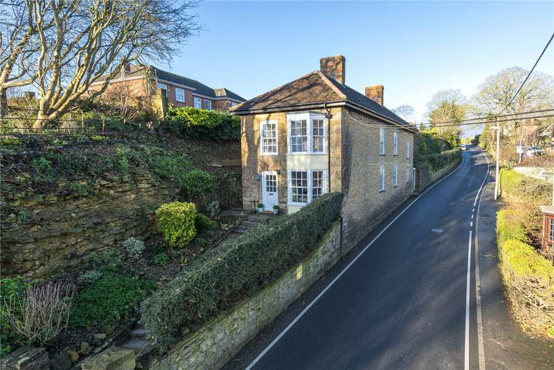 4 Bedrooms Detached House for sale in Cleve House, Marston Road, Sherborne, Dorset, DT9