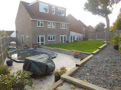 6 Bedrooms Detached House for sale in Rochford, Essex