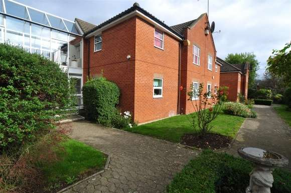 1 Bedroom Property for sale in Baliol Road, Hitchin