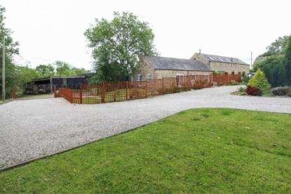 3 Bedrooms Barn Conversion Character Property for sale in Barn Farm, Pocknedge Lane, Holymoorside, Chesterfield