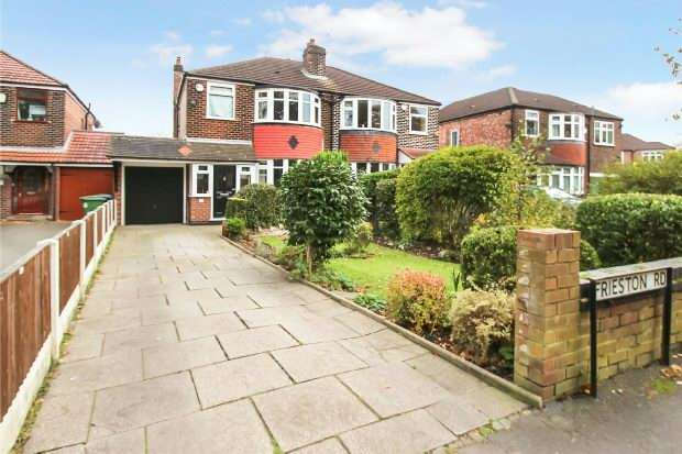 3 Bedrooms Semi Detached House for sale in Frieston Road, Timperley