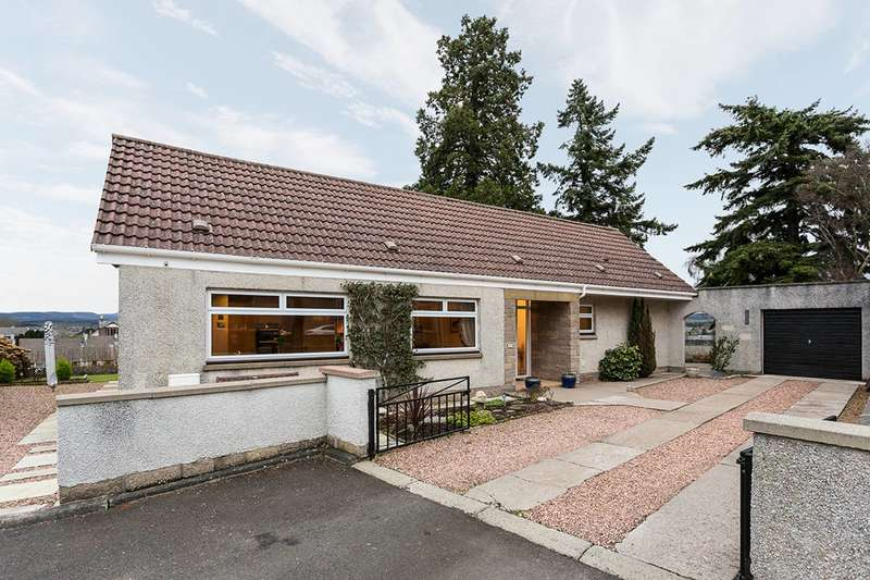 3 Bedrooms Bungalow for sale in Viewmount, Forfar, Angus, DD8 1LJ