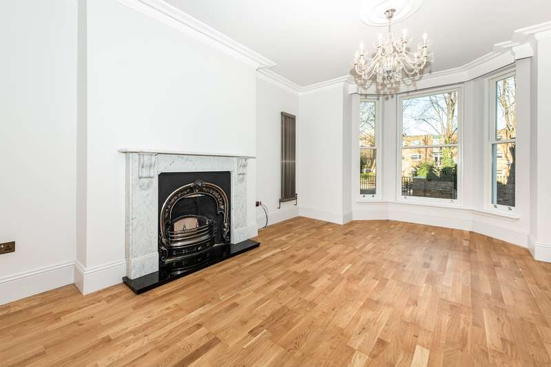 2 Bedrooms Apartment Flat for sale in Lower Addiscombe Road, Croydon, CR0