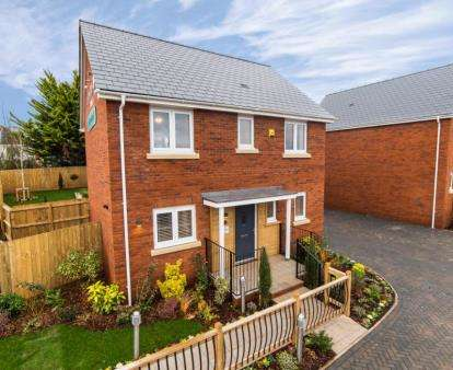 4 Bedrooms Detached House for sale in Holcombe