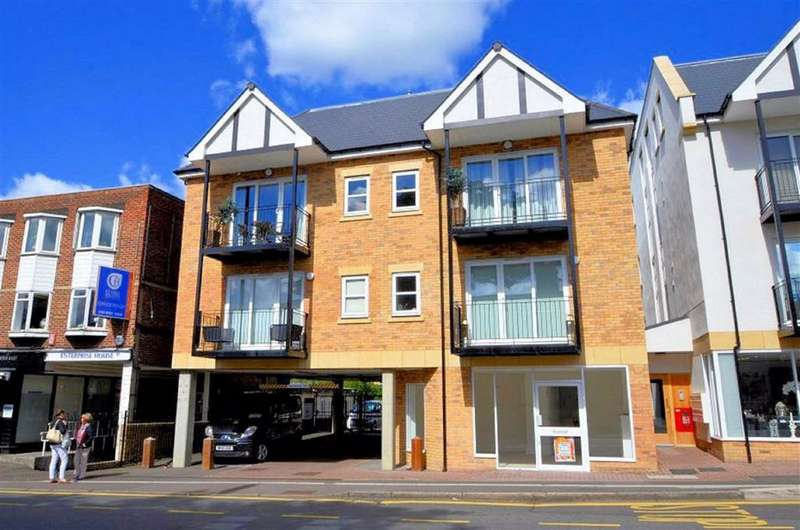 2 Bedrooms Flat for sale in Church Hill, Loughton