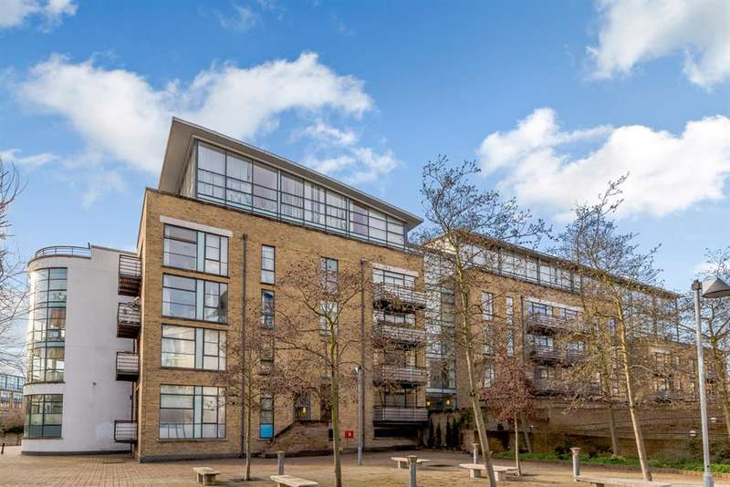 2 Bedrooms Apartment Flat for sale in Ferry Lane, Brentford, TW8