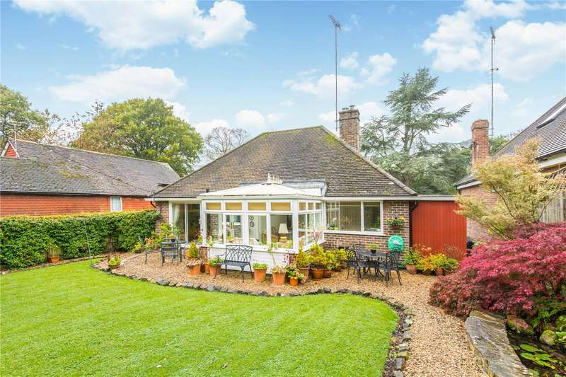3 Bedrooms Detached Bungalow for sale in Fairfield Close, Ardingly, West Sussex, RH17