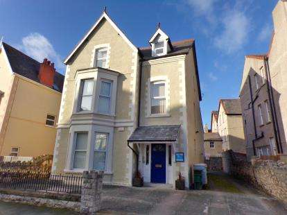 6 Bedrooms Detached House for sale in Trinity Square, Llandudno, Conwy, North Wales, LL30