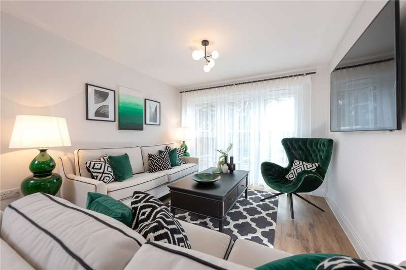 2 Bedrooms Apartment Flat for sale in St Albans Square, London Road, St Albans, Hertfordshire, AL1