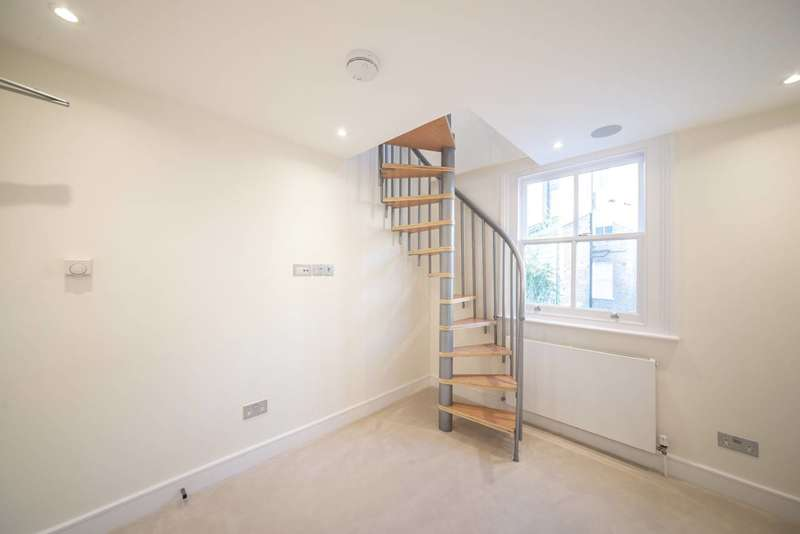 1 Bedroom Flat for sale in Rudall Crescent, Hampstead, NW3