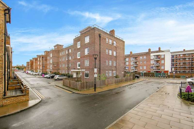 4 Bedrooms Flat for sale in Devons Road, London E3
