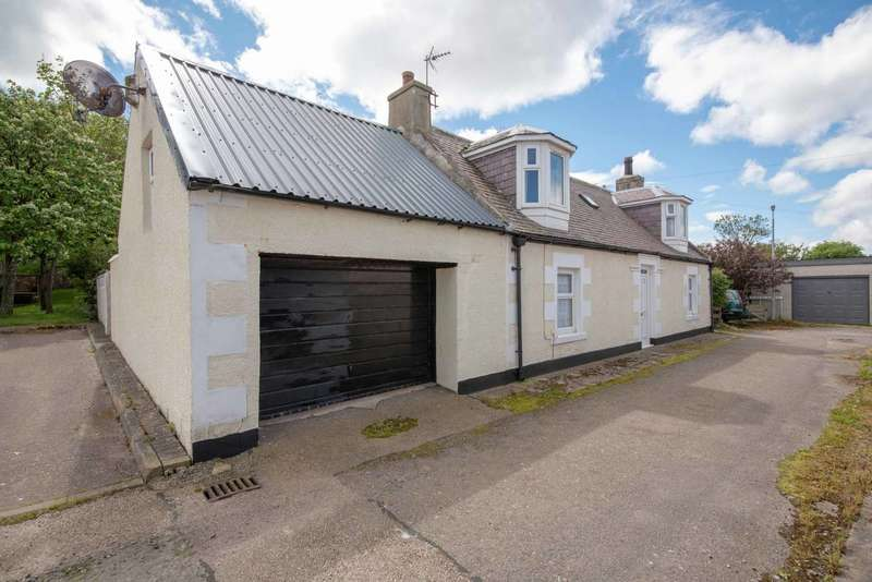 3 Bedrooms Cottage House for sale in Cross Street, Portgordon, Moray, AB56 5QW
