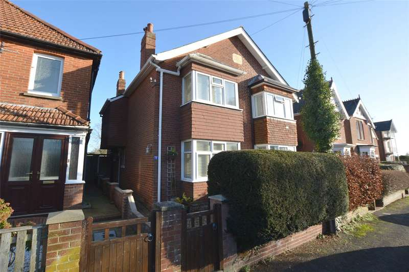3 Bedrooms Semi Detached House for sale in Southern Road, Lymington, Hampshire, SO41