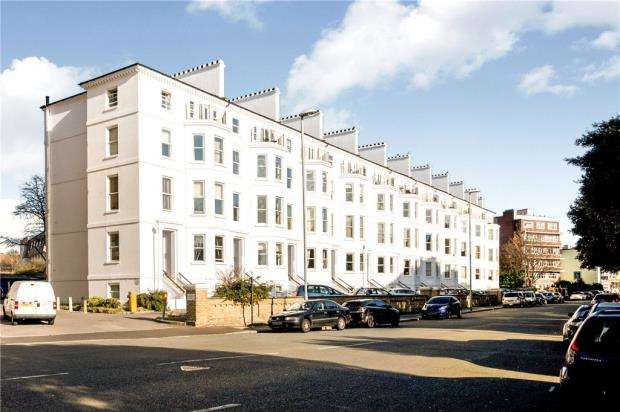 2 Bedrooms Apartment Flat for sale in Southsea Terrace, Southsea, Hampshire