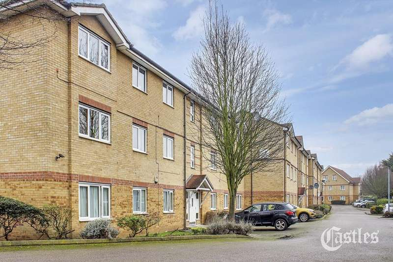 2 Bedrooms Flat for sale in Davey Close, Palmers Green, London, N13