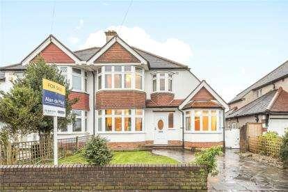 4 Bedrooms Semi Detached House for sale in Village Way, Beckenham