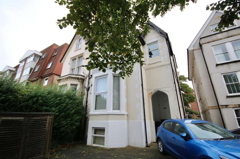 2 Bedrooms Flat for sale in Victoria Road North Southsea Hampshire