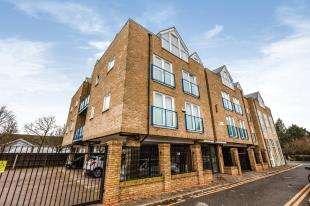 1 Bedroom Flat for sale in Littleheath, St. Marys Road, Swanley, Kent