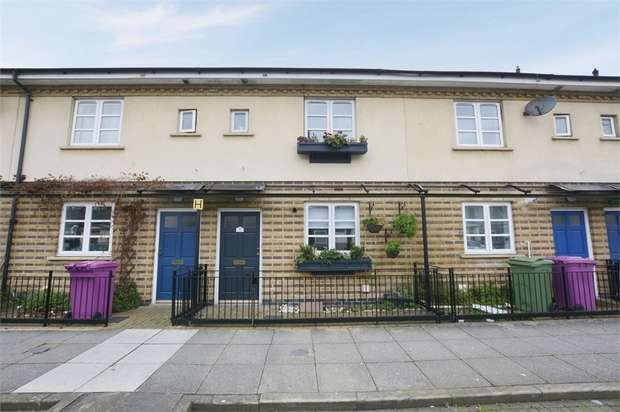 2 Bedrooms Terraced House for sale in Hainton Close, London