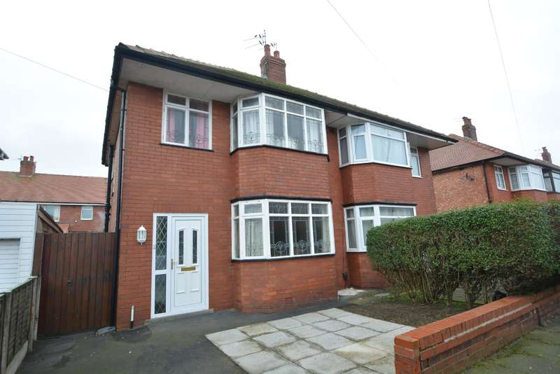 3 Bedrooms Semi Detached House for sale in Cheddar Avenue, South Shore, Blackpool, FY4 2LQ