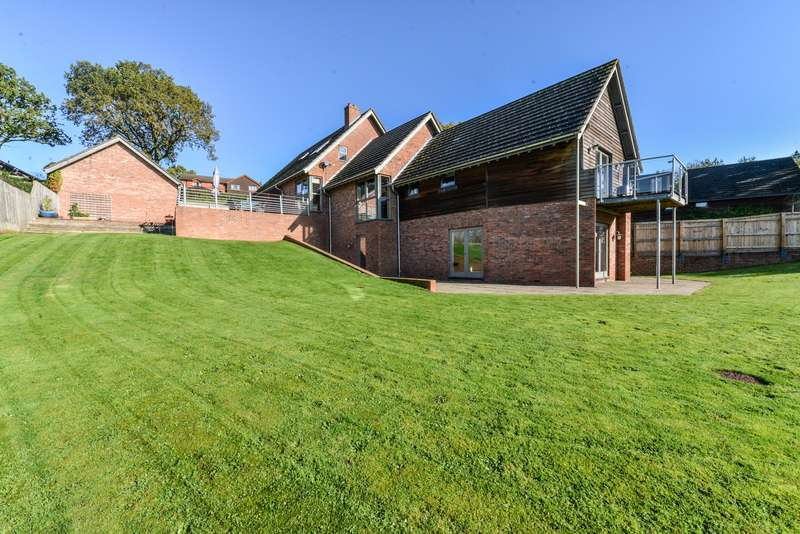 4 Bedrooms Property for sale in Tern View, Market Drayton