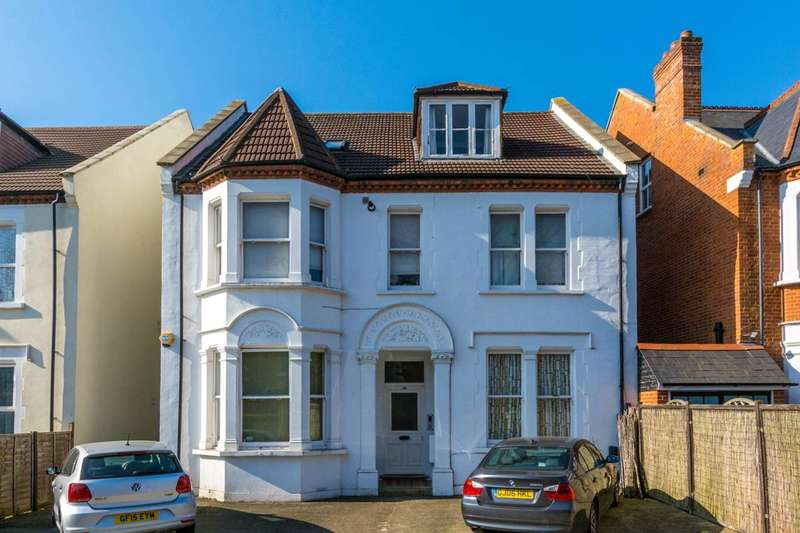 2 Bedrooms Flat for sale in Mount Park Road, Ealing, W5