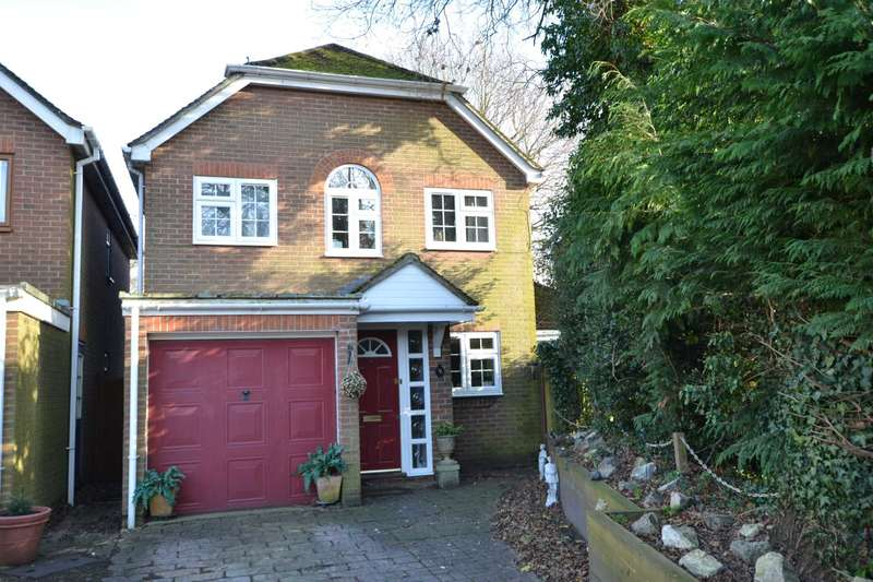 3 Bedrooms Detached House for sale in Beavers Mews, Bordon, GU35