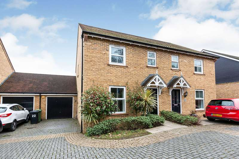 3 Bedrooms Semi Detached House for sale in Cufaude Lane, Sherfield-on-Loddon, Hook, Hampshire, RG27