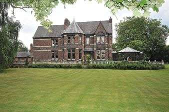8 Bedrooms Detached House for sale in Cliff Lane, Warrington, Cheshire