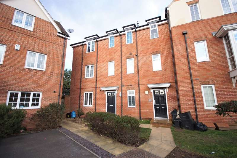 2 Bedrooms Apartment Flat for sale in School Drive, Woodley, Reading, RG5
