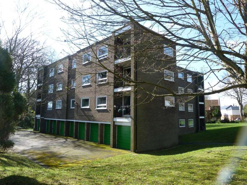 3 Bedrooms Flat for sale in Yardley House, Francis Road, Broadstairs, CT10