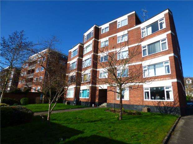 2 Bedrooms Apartment Flat for sale in Sandringham Court, 18 Winn Road, Southampton