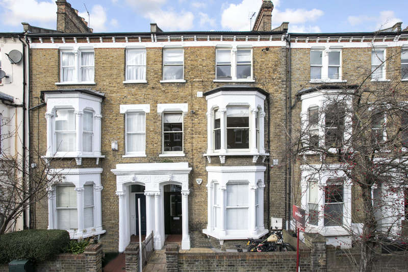 2 Bedrooms Flat for sale in Saltoun Road, Brixton