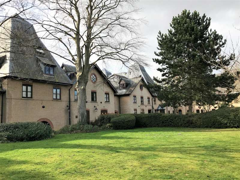 2 Bedrooms Apartment Flat for sale in River Meads, Stanstead Abbotts