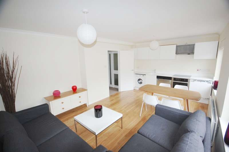 4 Bedrooms Flat for rent in Winchester City Centre