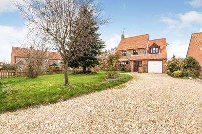 4 Bedrooms Detached House for sale in Hempton, Fakenham, Norfolk