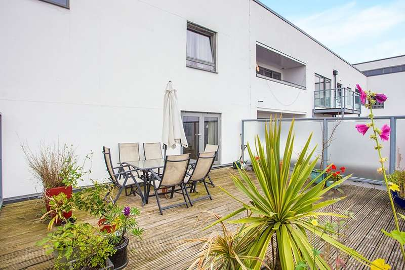 2 Bedrooms Apartment Flat for sale in Ashleigh Court, 29 Loates Lane, Watford, Hertfordshire, WD17