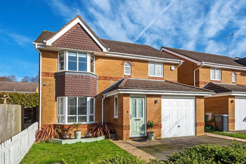 4 Bedrooms Detached House for sale in Ferndown Close, Beggarwood, Basingstoke, RG22