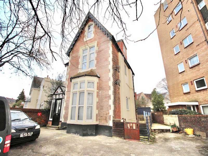 1 Bedroom Apartment Flat for sale in Victoria Road North, Southsea, Hampshire, PO5