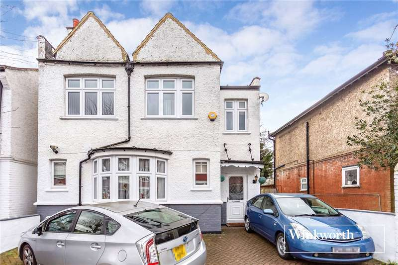 4 Bedrooms Detached House for sale in Dudley Road, Finchley, London, N3