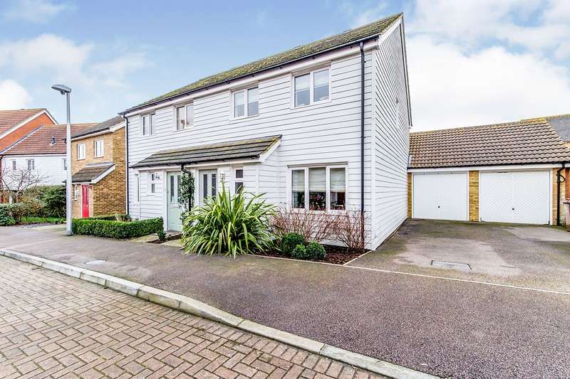 3 Bedrooms Semi Detached House for sale in Gudgeon Crescent, Hoo, Rochester, Kent, ME3