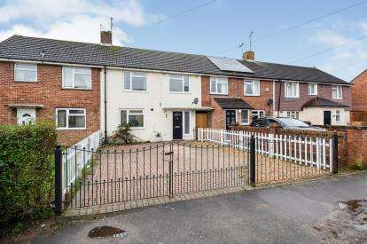 3 Bedrooms Terraced House for sale in Havant, Hampshire
