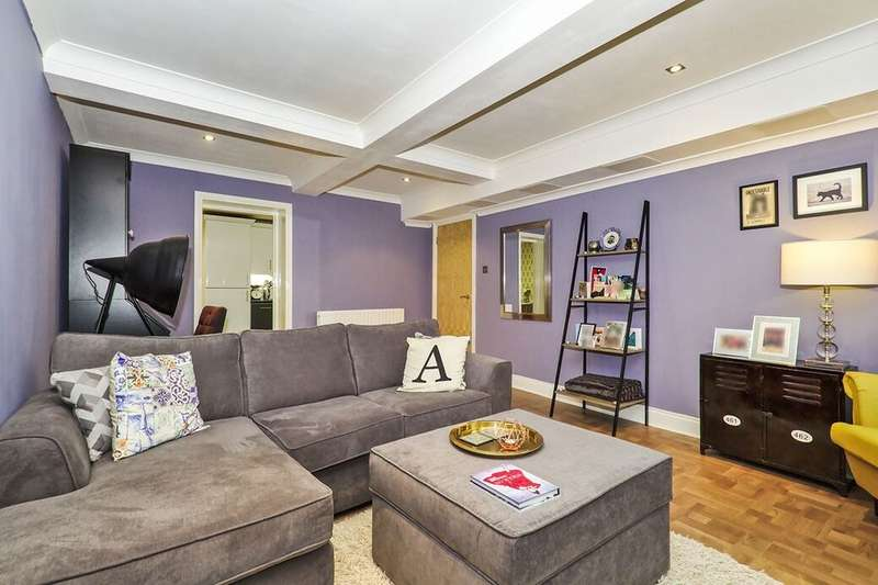 1 Bedroom Flat for sale in Upper Holly Hill Road, Belvedere, DA17