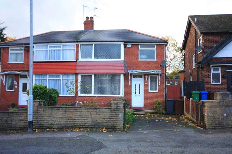 3 Bedrooms Semi Detached House for sale in Heywood Road, Prestwich