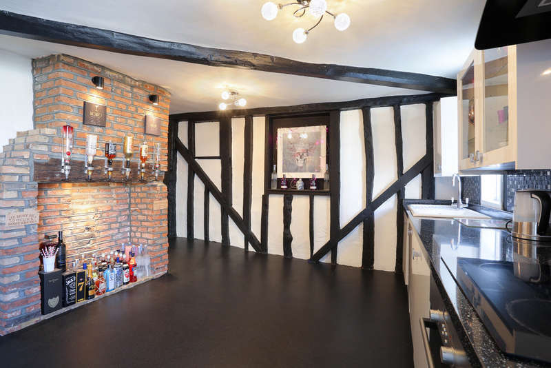 1 Bedroom Flat for sale in Fore Street, Hertford, SG14